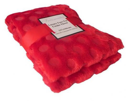 RED COLOUR CIRCLES FAUX FUR THROW